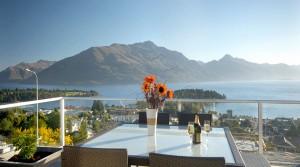 3 Bedroom Luxury Lake View Villa Accommodation Queenstown
