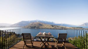 Luxury Three Bedroom Villa Queenstown – Views on Tussock