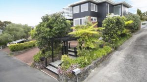 Stylish B&B Accommodation Auckland City- Kohi Beach Bed & Breakfast